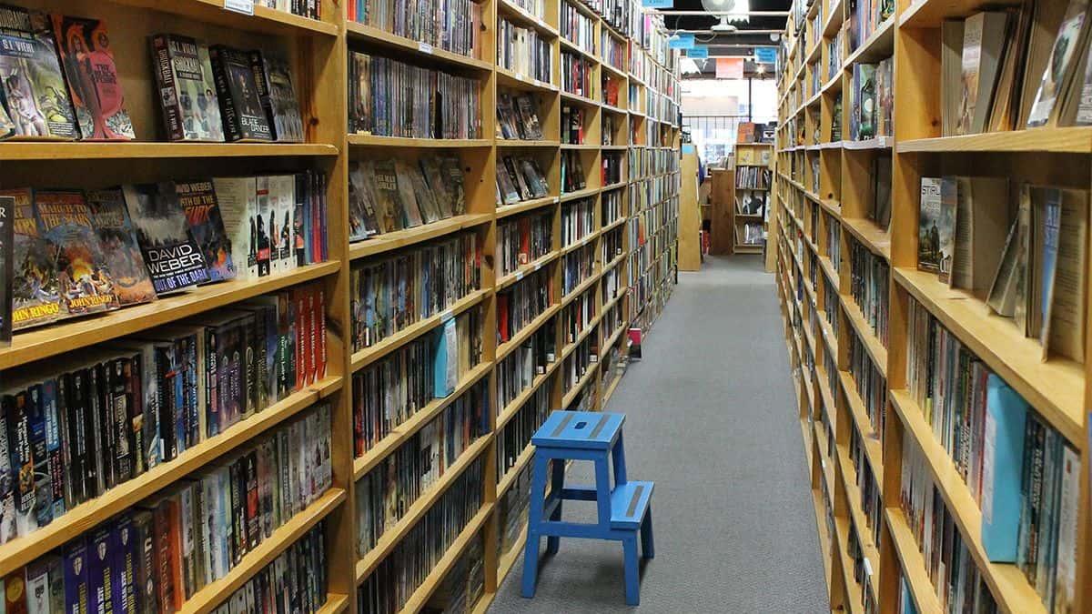 Companion Books - Shelves in Ailes